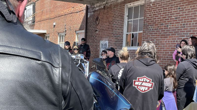 Local biker groups host ride to raise money for 11-year-old girl with cancer.