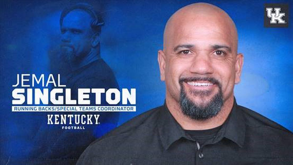Singleton named new UK running backs and special teams coach
