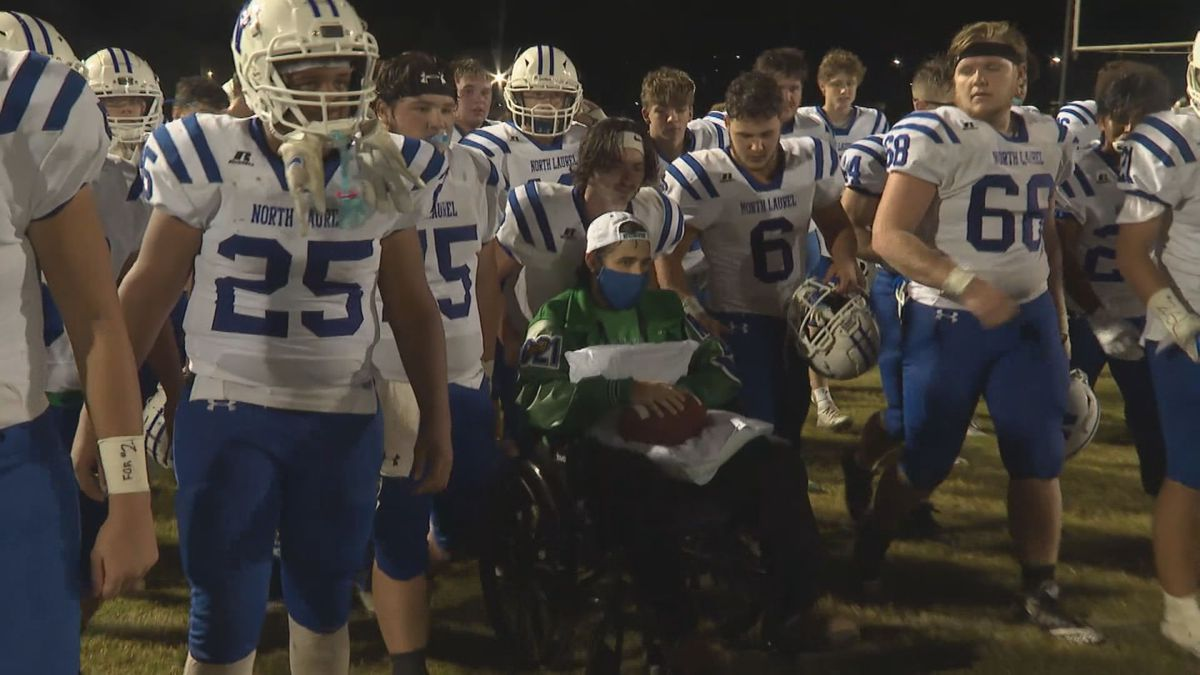 North Laurel honors Robinson family