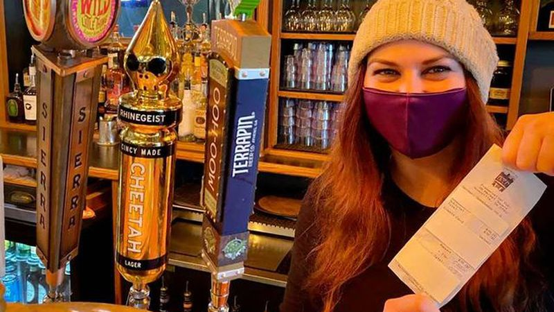 Knoxville restaurant receives shocking $5,000 tip