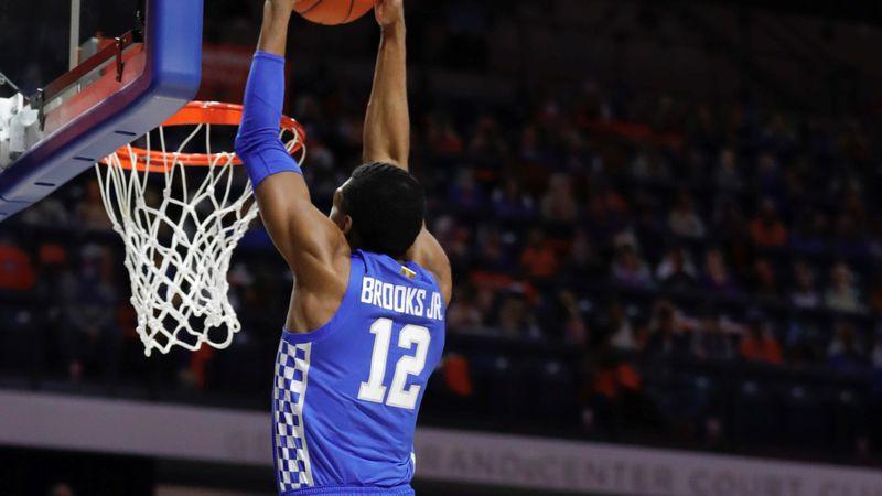 Keion Brooks dunk vs. Florida