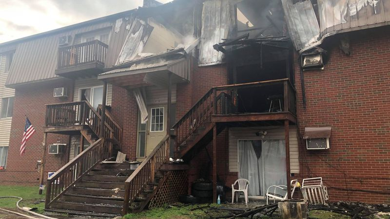 Crews respond to fire at Johnson County apartment complex
