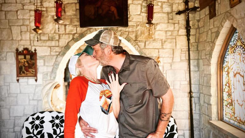 Texoma's Blake Shelton and girlfriend Gwen Stefani are now engaged.