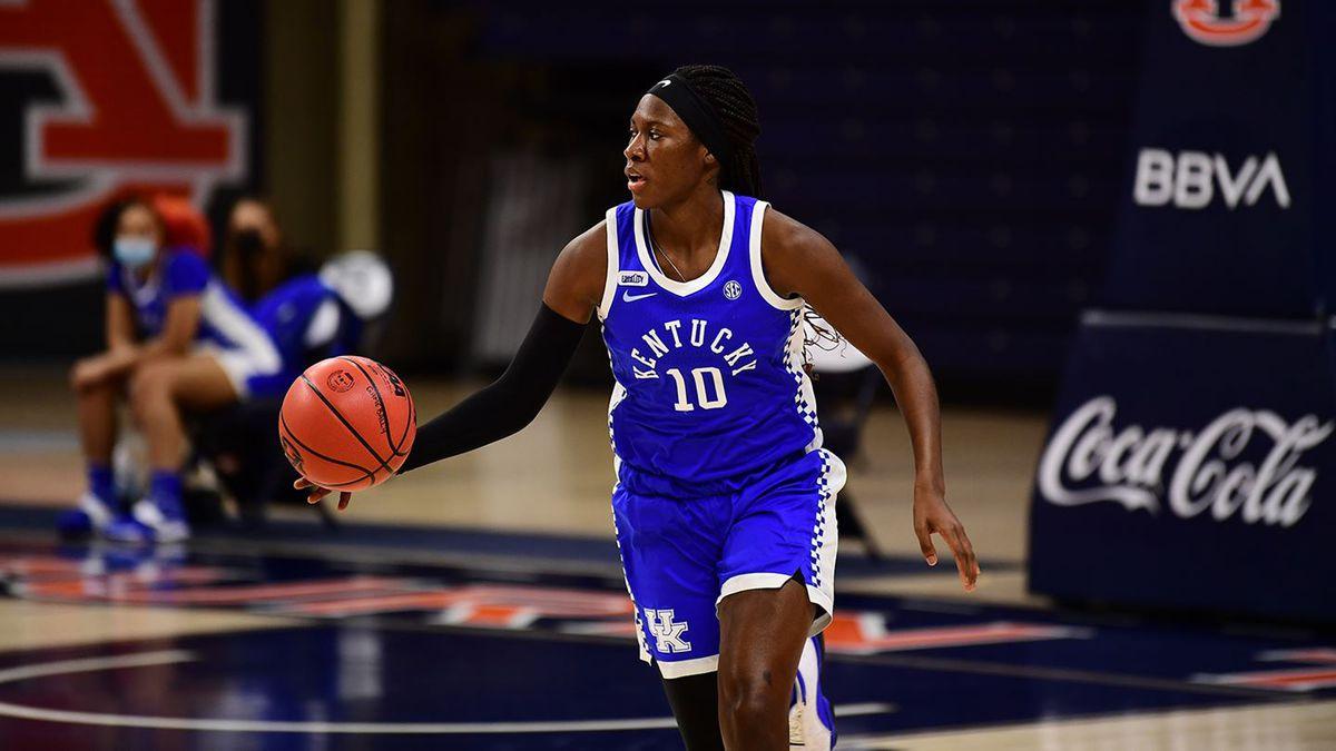 Junior Blair Green scored 18 points as the 12th-ranked Kentucky women's team held off Auburn...