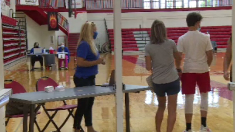 Students in Scott County are rolling up their sleeves to get the vaccine.