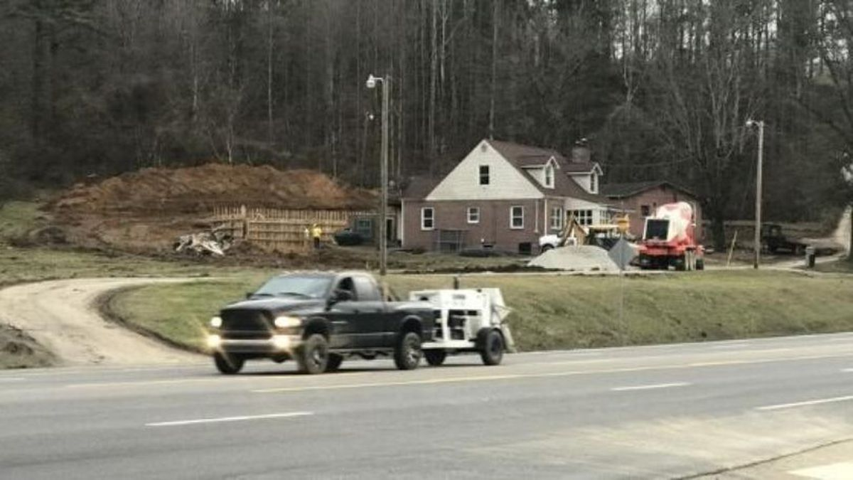 The City of LaFollette closed nearby roads as a precaution because of the quarry. / (WVLT)