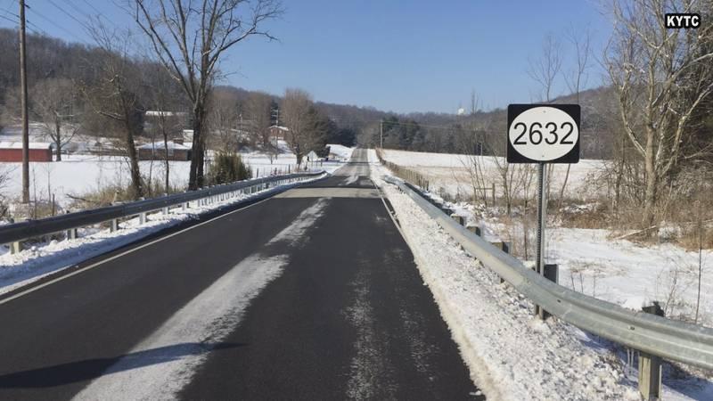 Crews work throughout the week to clear roads in South Central Kentucky.