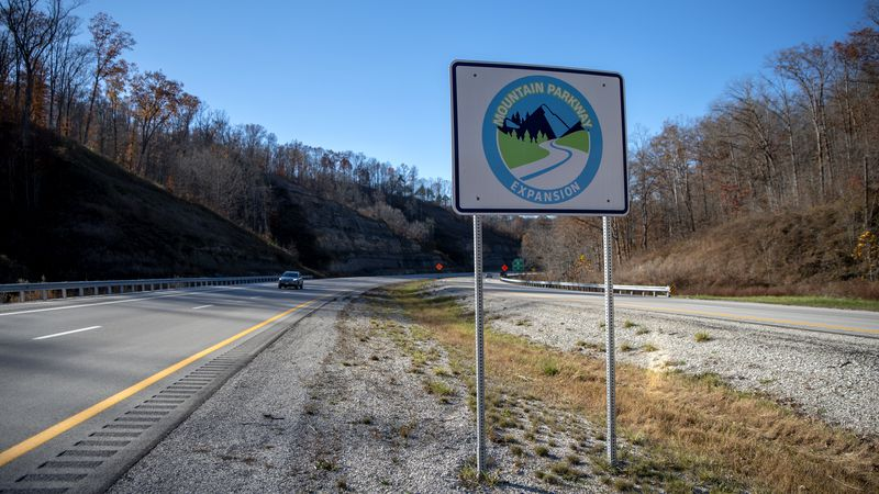Officials with the Mountain Parkway Expansion give an update