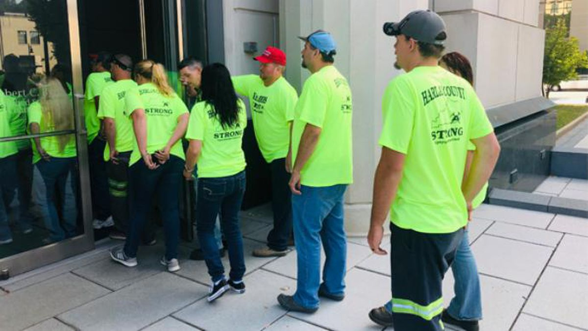 Miners from Harlan County, Kentucky arrived at the federal courthouse in Charleston, West Virginia Monday morning for a Blackjewel LLC bankruptcy hearing. (Source: WSAZ)