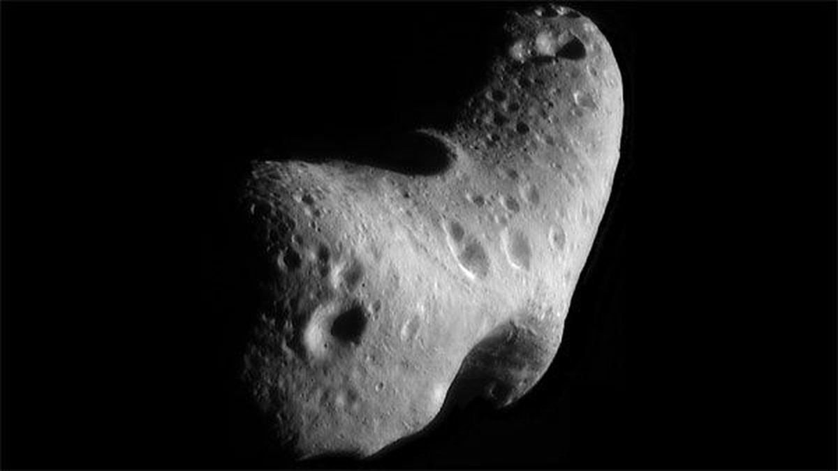 This image, taken by NASA's Near Earth Asteroid Rendezvous mission in 2000, shows a close-up...
