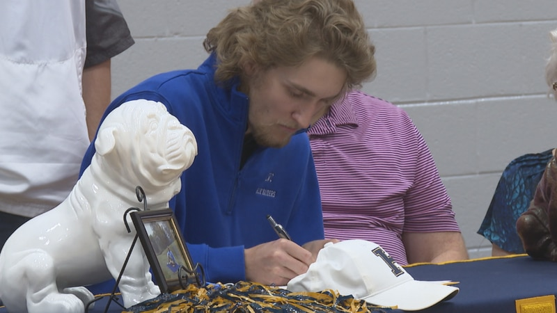 Hazard's Jarrett Napier signs with Lindsey Wilson