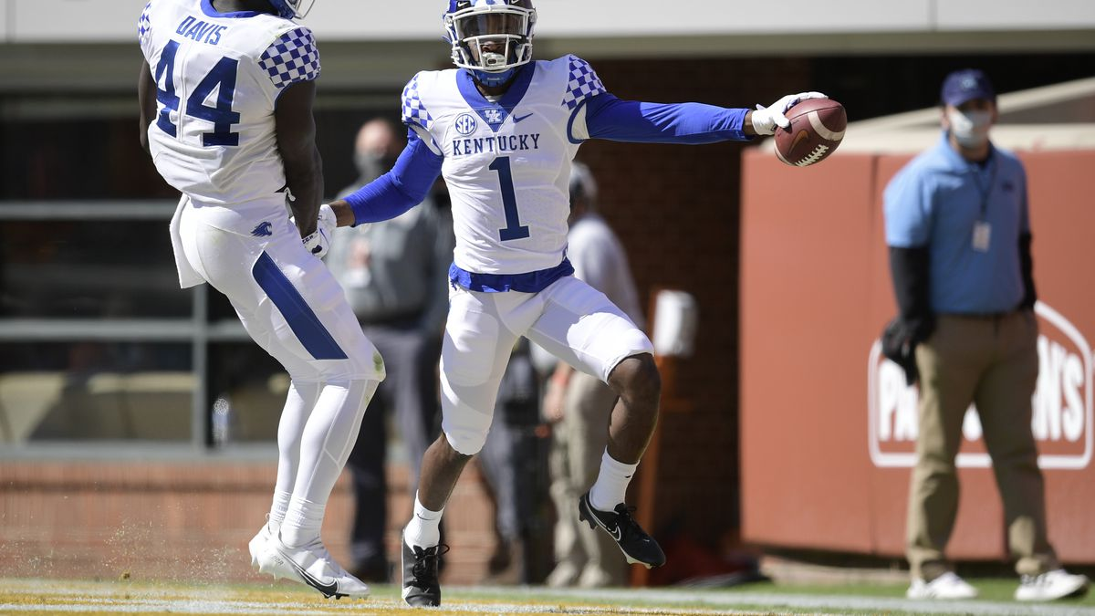 Kentucky's defensive back Kelvin Joseph (1) celebrates a touch down, during the second quarter...