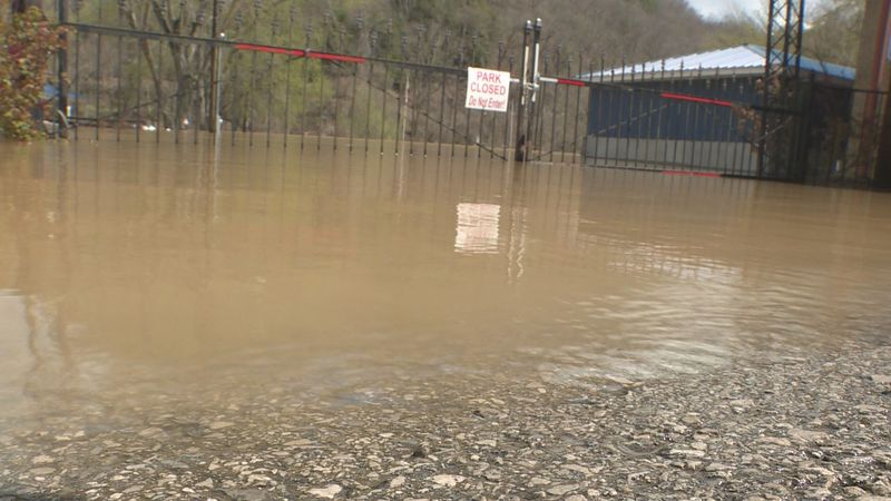 Clay and Leslie Counties experience flooding, parks and roads flooded