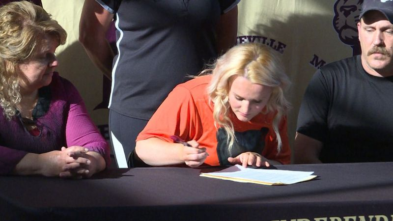 Virginia Hall signs with UPike