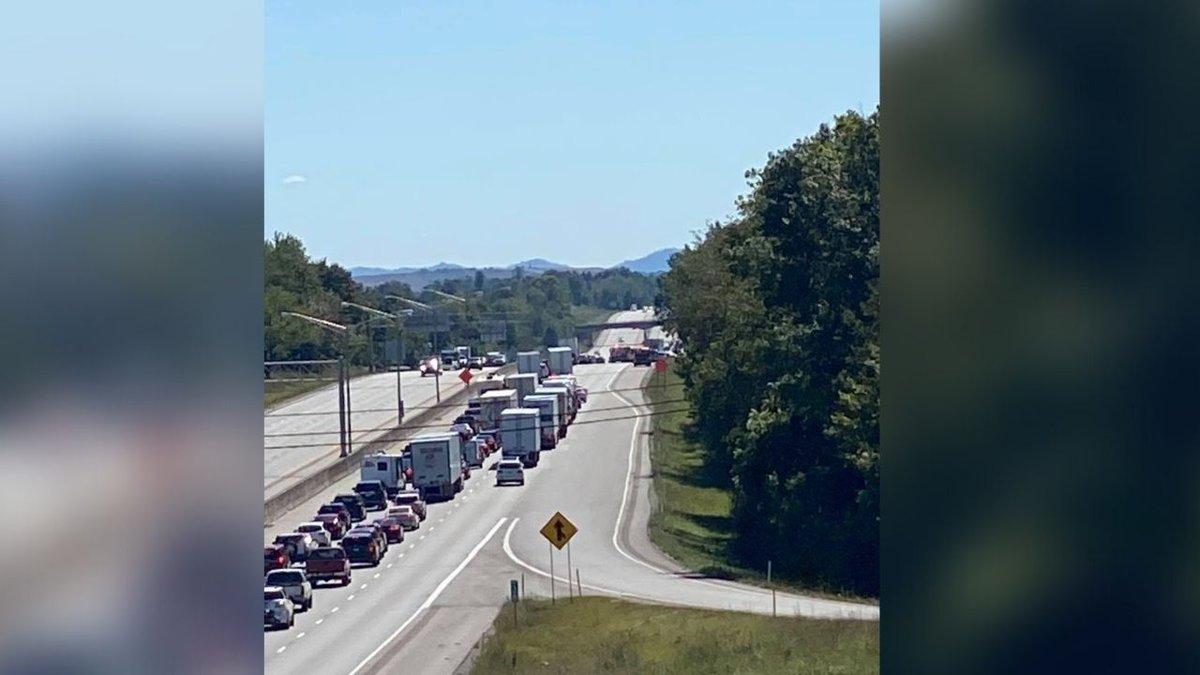 Fire Dept.: Traffic backing up on I-75 due to crash